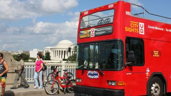 Washington DC Hop-On Hop-Off Bus Tour