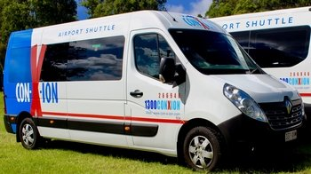 Shared Shuttle: Gold Coast Airport (OOL) – Theme Parks