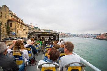Hop-on Hop-Off Bus Tour with River Cruise & Wine Cellar Admission