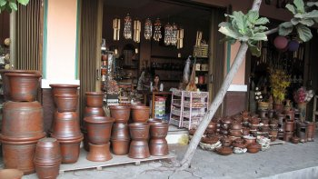 Private Villages of Yogyakarta Tour by Foot & Bicycle