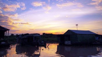 Tonlé Sap Floating Market Tour