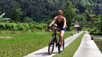 Private Besakih Temple & Sidemen Village Cycling Tour