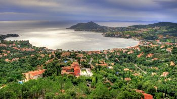 Small-Group Saint-Tropez & Port Grimaud Walking Tour from Monaco