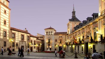 Small-Group Habsburg Dynasty Walking Tour & Skip-the-Line at Prado Museum