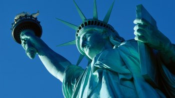 Half-Day City Tour with Statue of Liberty & Ellis Island Admission