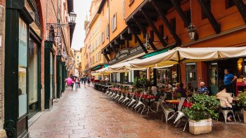 Private Gourmet Food & Wine Tasting Tour in Bologna