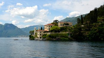Como, Bellagio & Lecco Full-Day Tour by Train
