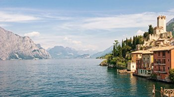 Lake Garda, Sirmione & Desenzano Full-Day Trip by Train