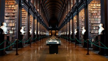 Early-Access to the Book of Kells & Dublin Castle Tour