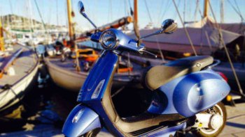 Small-Group Vespa Tour with Cheese & Wine Tastings