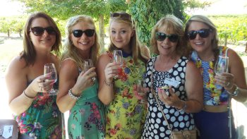 Swan Valley Wineries Tour with Cruise from Perth