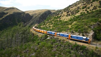 Taieri Gorge Railway Trip to Middlemarch