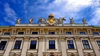 Full-Day Vienna Excursion with Fast-Track Hofburg Palace Entry