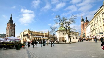 Old Town & Kazimierz Walking Tour with Polish Snack