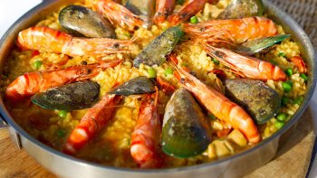 Tapas & Paella Cooking Workshop with Market Tour in Santa Catalina