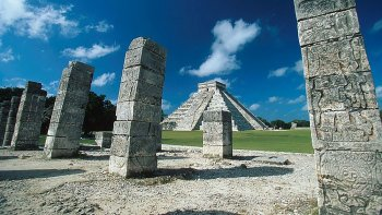 Chichén Itzá Day Tour with Personalized Maya Calendar