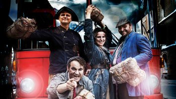 Super Saver: Hop-on Hop-off City Tour & Hamburg Dungeon Admission