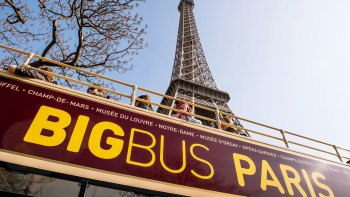 Hop-on-Hop-off-Bustour durch Paris