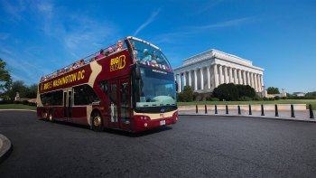 Washington, D.C. Hop-On Hop-Off Bus Tour with Madame Tussauds Admission