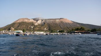 Aeolian Islands Tour to Lipari & Vulcano with Cruise