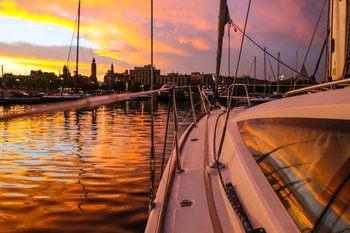 Small-Group Sunset Sailing Experience