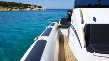 Private Cruise to Naoussa via Luxurious RIB Boat