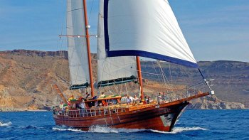 Small-Group Cruise On board a Traditional Turkish Gulet