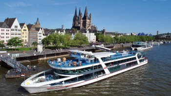 Rhine Panorama Cruise & Hop-on Hop-off Bus Pass