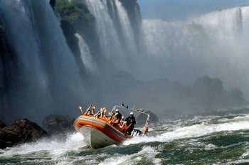 Macuco Speedboat Safari & Rainforest Waterfall Walk