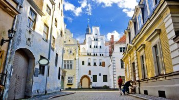 Private Historical Riga City Center Walking Tour