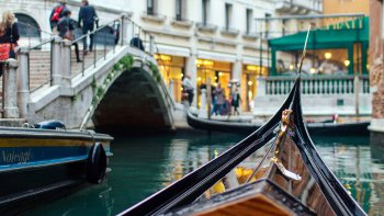 Venice Full-Day Tour: St Mark's Basilica, Doge's Palace & Gondola Ride