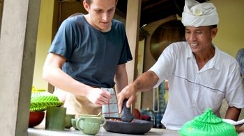 Afternoon Paon Bali Cooking Class