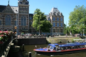 Canal Cruise & Rijksmuseum with Skip-The-Line Ticket