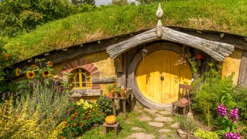 Private Hobbiton Movie Set Tour