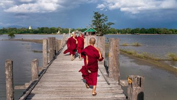 Private Half-Day City & U Bein Bridge Tour