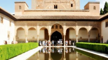 Private Guided Tour of Alhambra and Generalife Gardens