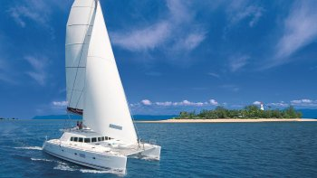 Full-Day Low Isles Snorkelling Cruise