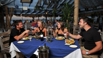 Sunset Cruise & Seaside Dinner