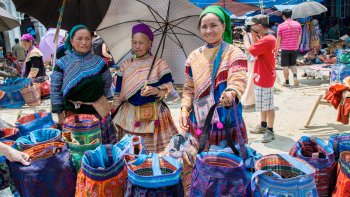 Bac Ha, Markets & Chay River Tour