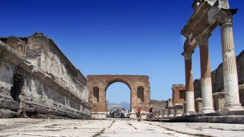 Half-Day Tour of Pompeii from Naples