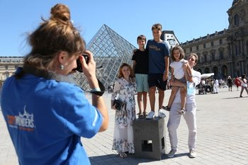Skip-the-Line: Louvre Museum Guided Tour for Families