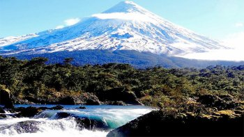 Petrohue Waterfalls & Osorno Volcano Excursion