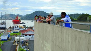 Panama Canal Partial Transit with Traditional Lunch