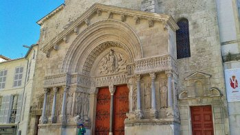 Self-Guided Tour of Arles with Monument & Museum Pass