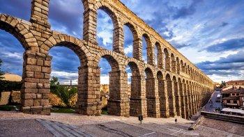 Ver la ciudad,City tours,Tours con guía privado,Tours with private guide,Excursión a Segovia,Excursión a La Granja