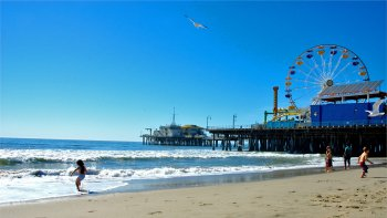 Grand LA & Beaches Tour with Transport from Anaheim by Starline Tours