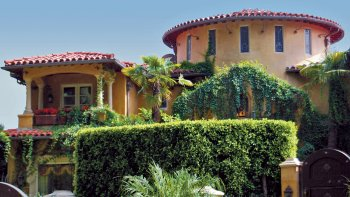 L.A Movie Star Homes with Transportation from Anaheim