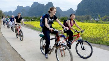 Yangshuo Guided Bike Tour with Lunch