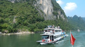 Li River Cruise & Yangshuo Day Tour