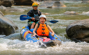 Overnight Chiang Mai Kayak & Zip line Excursion
